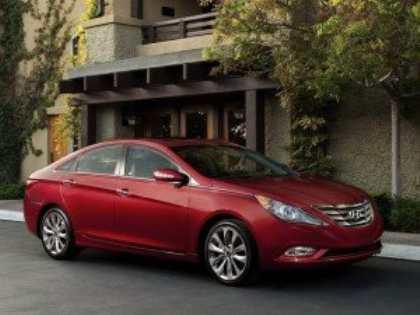 Компания Hyundai намерена обновить свои среднеразмерные седаны