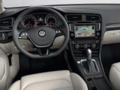 На Парижском автосалоне Volkswagen Golf VII показали первым