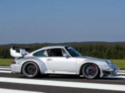 В тюнинг-ателье McChip вдохнули новую жизнь в Porsche 911 GT2