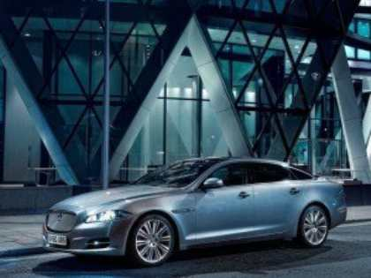 Компания Jaguar планирует разработать лимузин на базе седана XJ