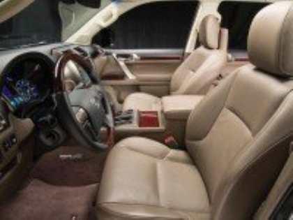 Компания Lexus представила обновленную версию внедорожника GX