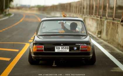 BMW 2002 в классическом тюнинге из Японии