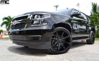 MC Customs «посадил» Chevrolet Tahoe на 24-дюймовые диски