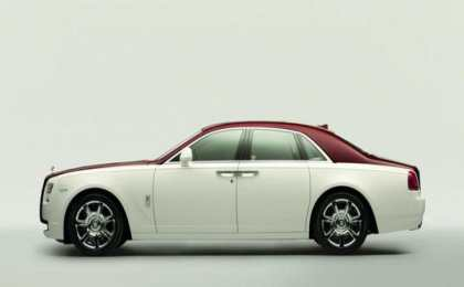 Rolls-Royce показал один из своих седанов Ghost