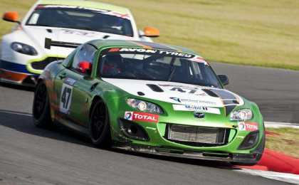 Mazda начала продажи болида MX-5 GT4 Race Car