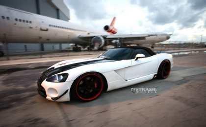 Dodge Viper SRT-10 Roadster на дисках Strasse Wheels