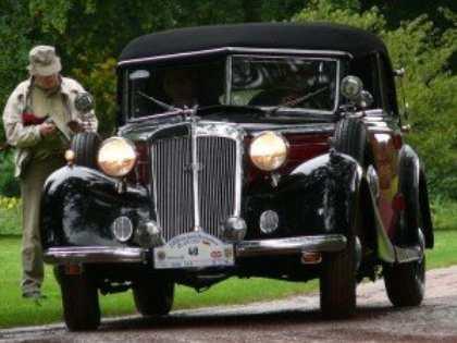 В Киеве прошла выставка редких автомобилей