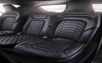 Ford представил премиальный минивэн S-MAX Vignale