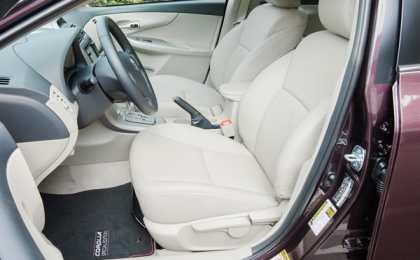 Corolla LE и Corolla S Special Edition