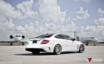Mercedes-Benz C63 Black Series от Velos и HRE