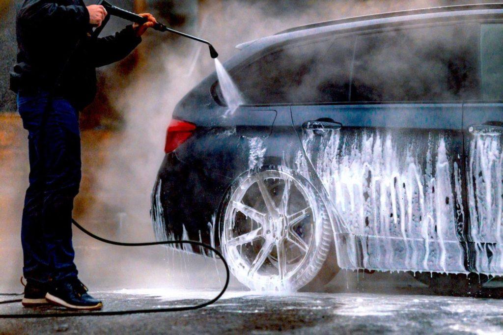 Мыть ли авто зимой?